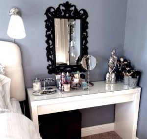 organised-makeup-area